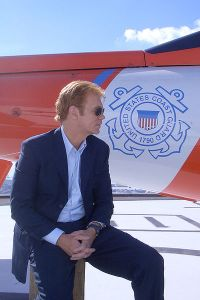 400px-david_caruso_waiting